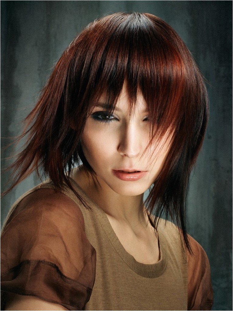 20 popular medium length hairstyles bangs