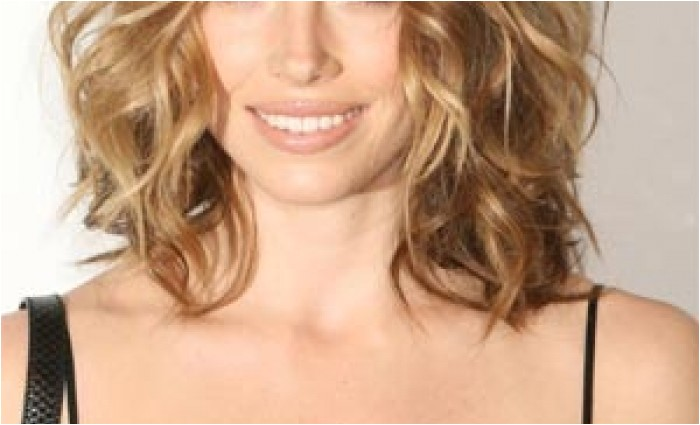 shoulder length layered haircuts for thick curly hair