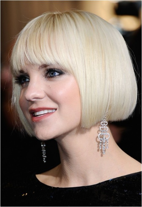 anna faris short bob haircut platinum blonde bob cut