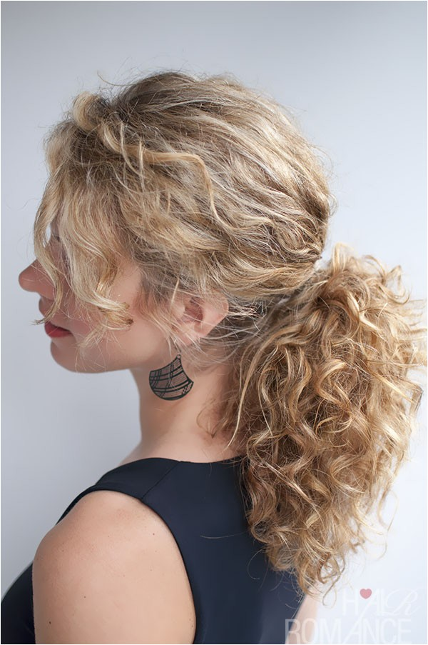 curly hairstyle tutorial the curly ponytail