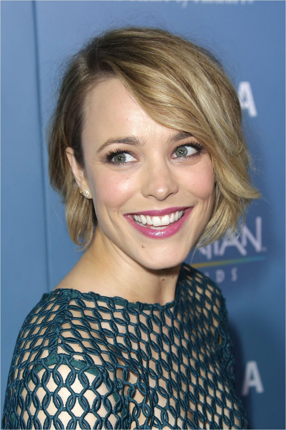 rachel mcadams and emma stone remind us why bob hairstyles are so hot for ss15