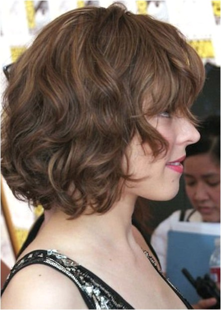 side view of soft wavy curly bob hairstyle from rachael mcadams