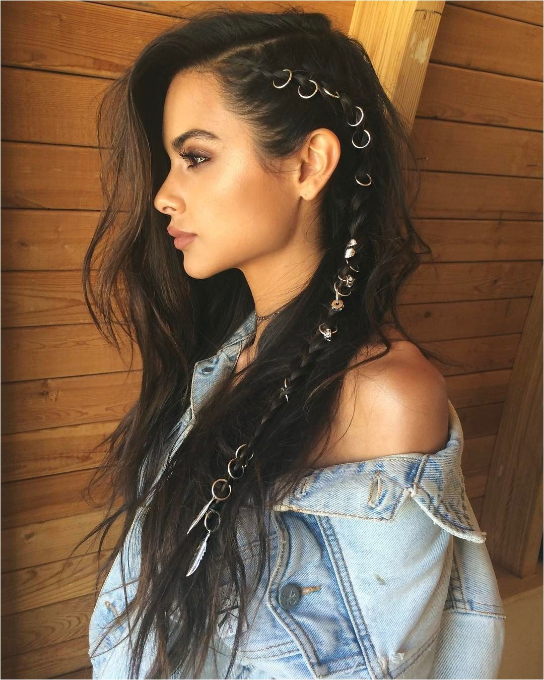 The long hair style is hot which is why lots of women choose to use prolonged free flowing hairs rather than the popular short