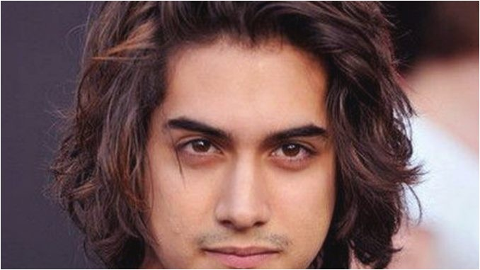 semi curly hairstyles for men