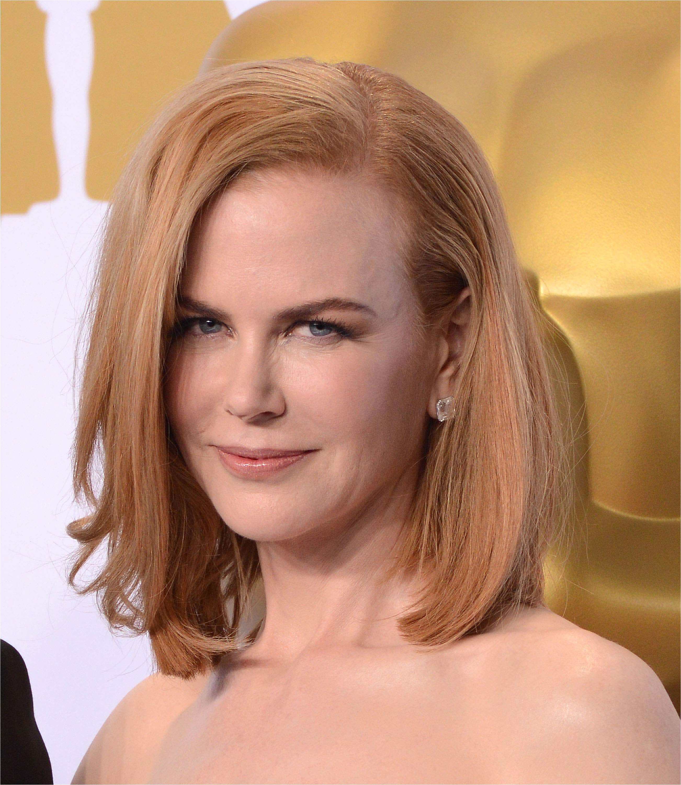 short hairstyles for square faces over 40