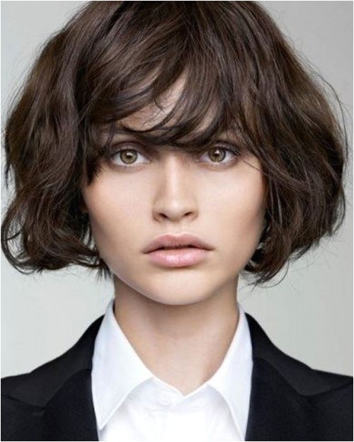22 short hairstyles for wavy hair