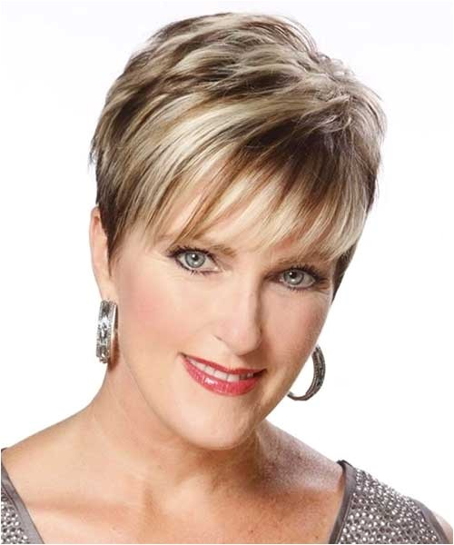 20 best short haircuts for thin hair