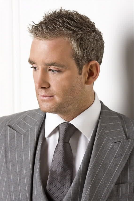 Short Hairstyles for Men Over 40 2