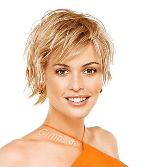 short layered haircuts for round faces