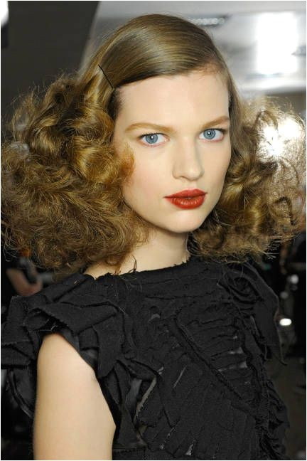 sleek hairstyles for curly hair
