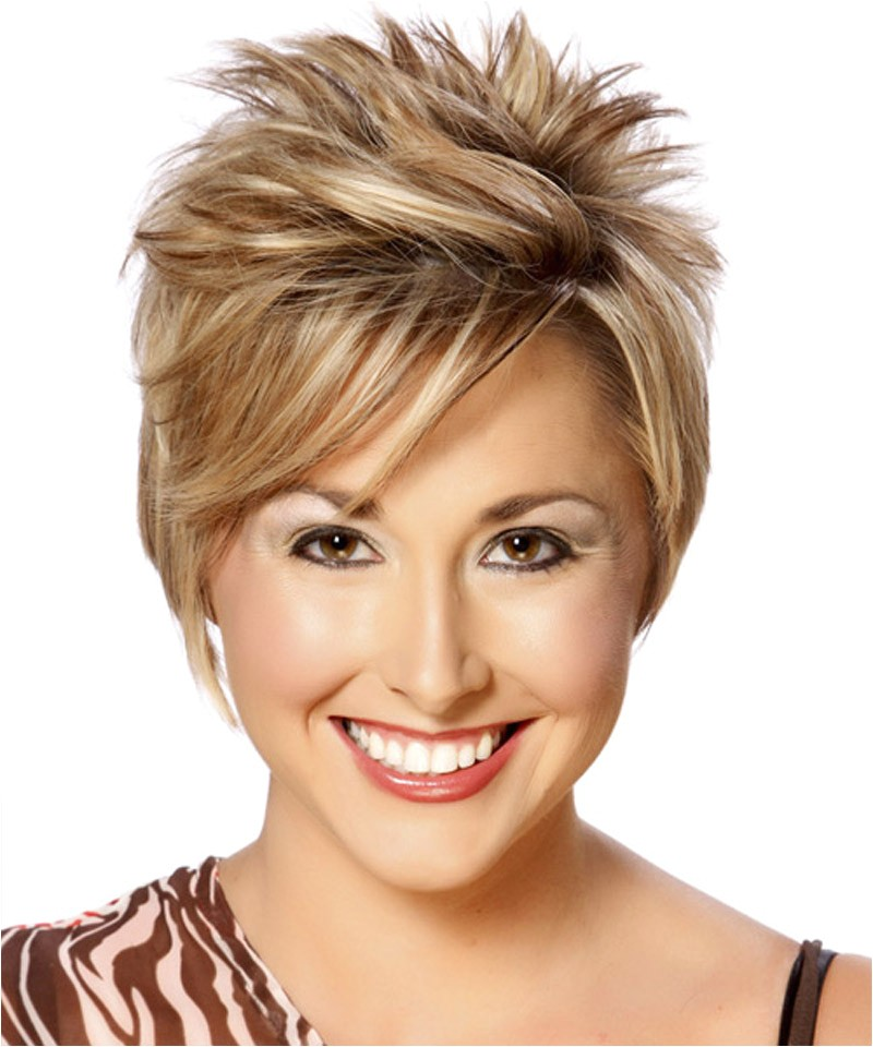 amazing short spiky haircut for stylish women to look awesome