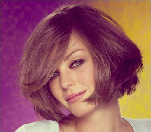 easy medium length tapered bob with side part and face framing