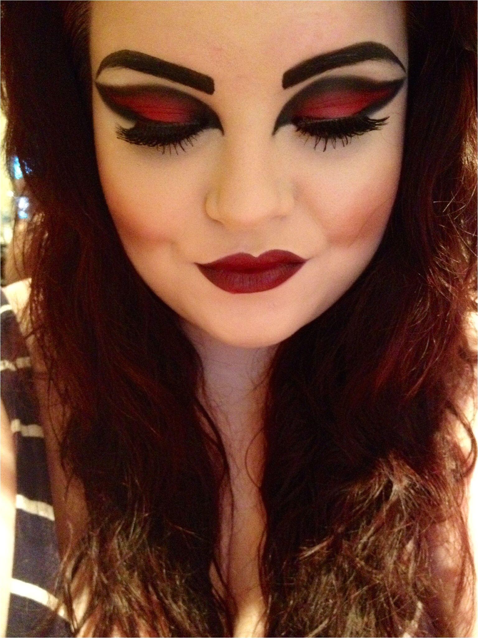 Vampire Hairstyles for Girls Vampire Halloween Makeup My Own Makeup Looks Pinterest