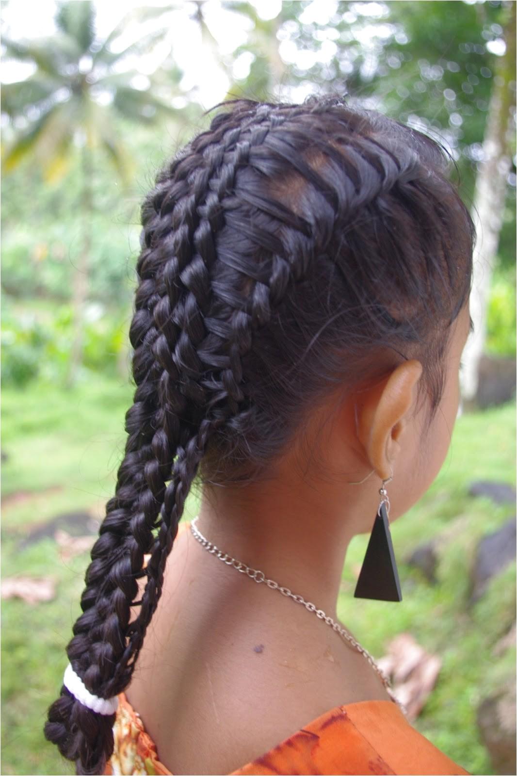 micronesian girl basket weave french