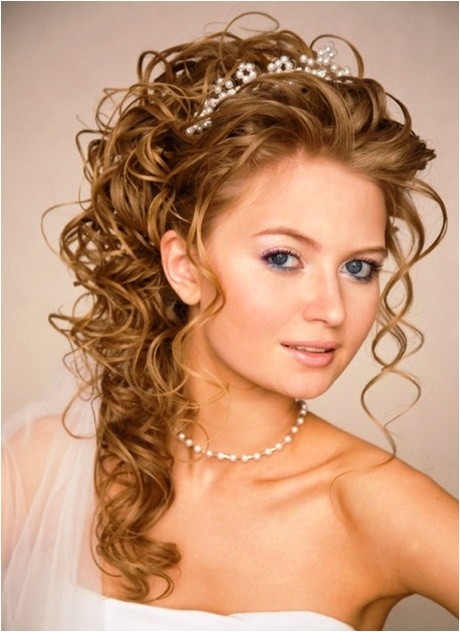 bridal hairstyles for long curly hair 2
