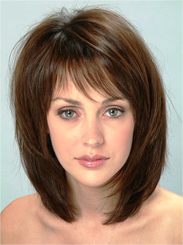 20 medium hairstyles round faces tips