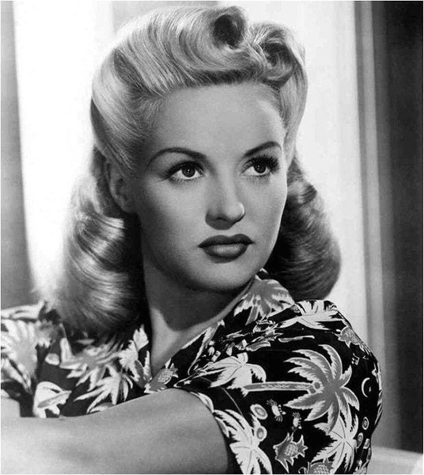 1940s vintage victory rolls