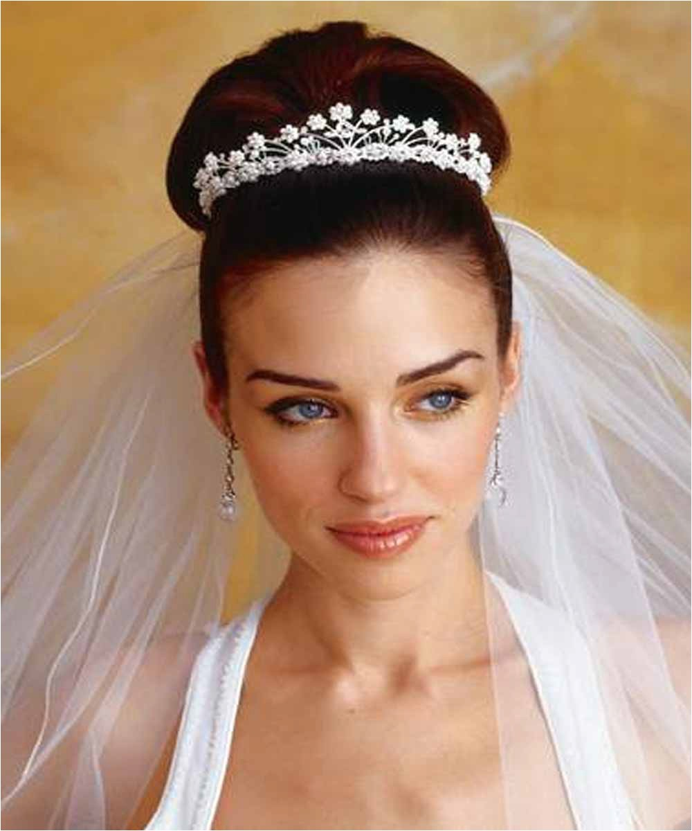 beehive hairstyles for your wedding