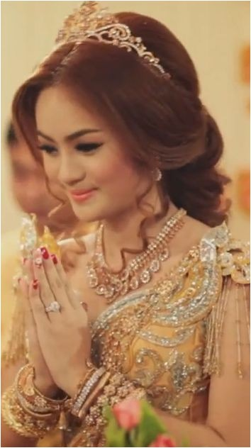 Cambodian Wedding Hairstyles 541 Best Traditional Weddings Images On Pinterest
