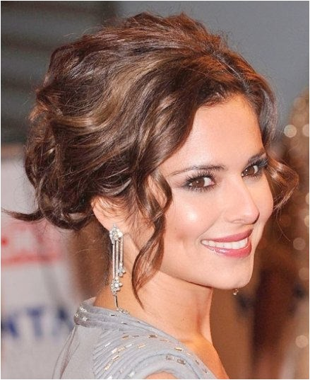 updo of curly hairs