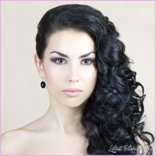 curly hairstyles pinned side