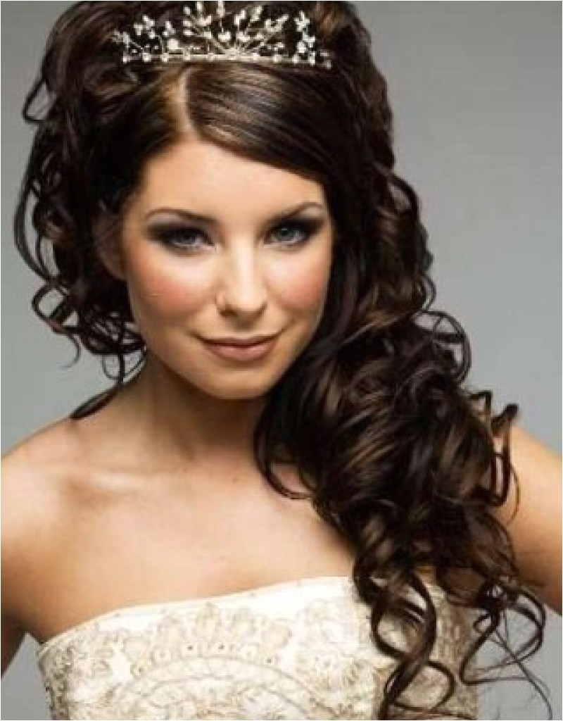 wedding hairstyles for shoulder length curly hair