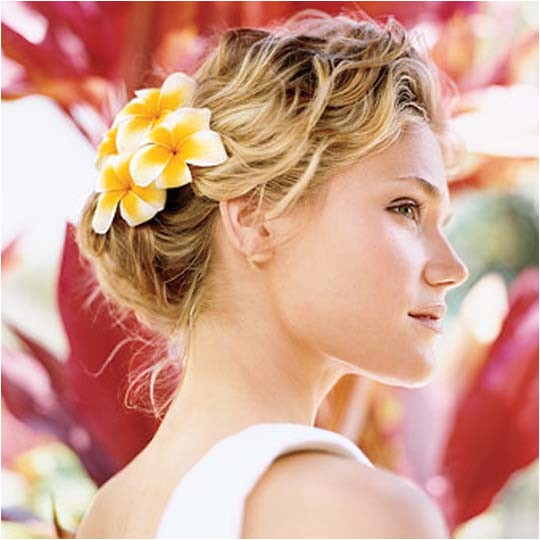 the simple and beautiful beach wedding hair ideas