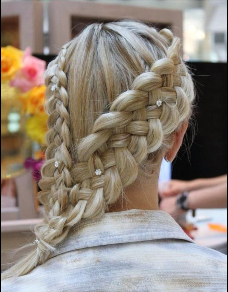 simple beach wedding hairstyles
