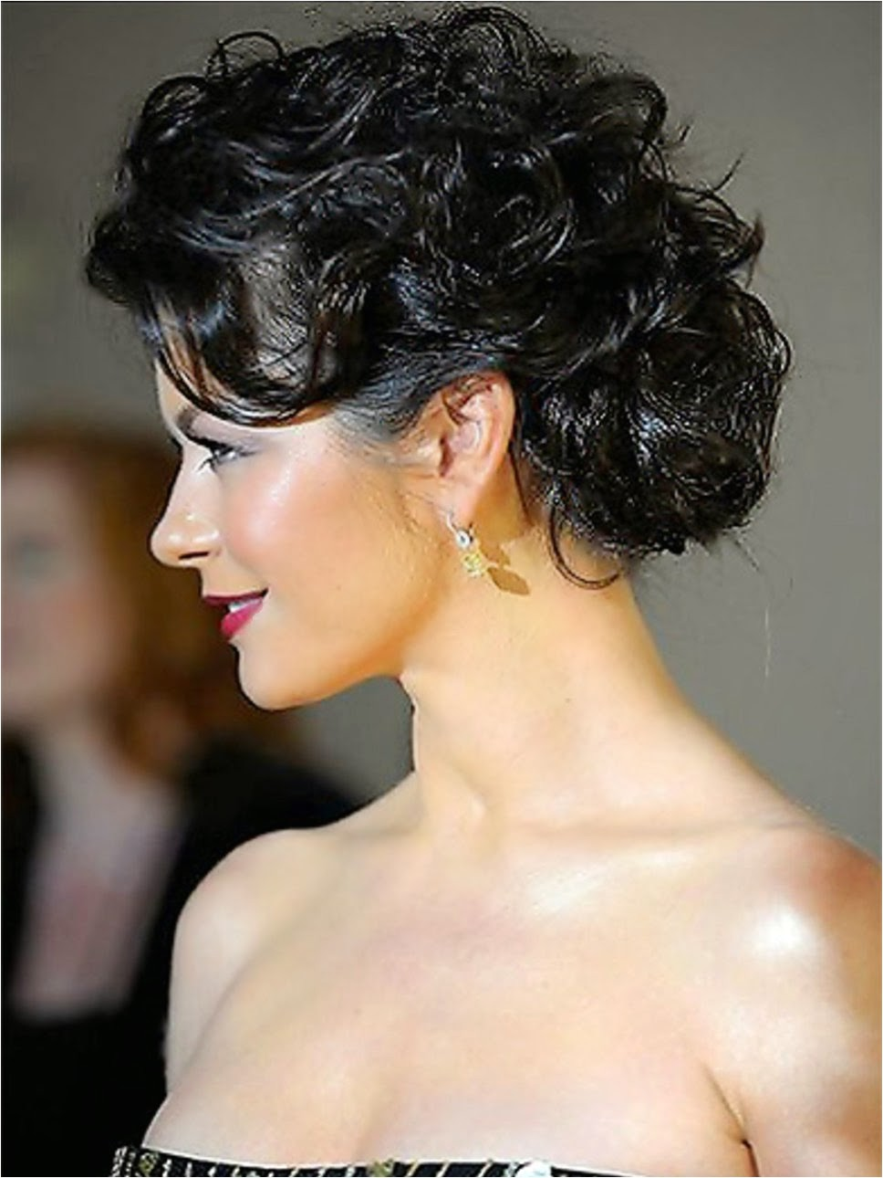 top 9 easy stylish updos for curly hair