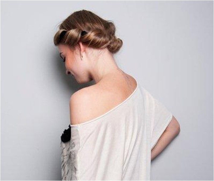 Easy Greek Hairstyles Diy Easy Greek Hairstyle with A Bandage 1
