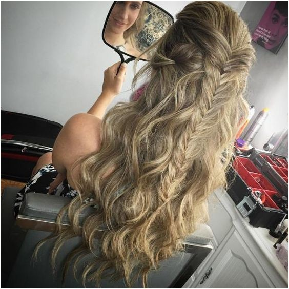 Easy Hairstyles for A Dance 31 Gorgeous Half Up Half Down Hairstyles