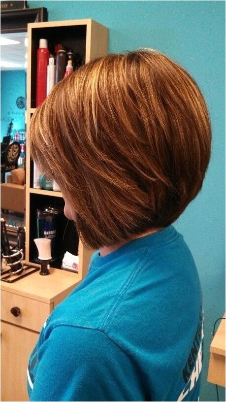 simple easy daily hairstyle for short hair stacked bob cut