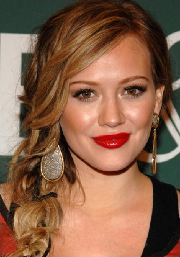 wearing your hair down for semi formal event simple yet chic hairstyle