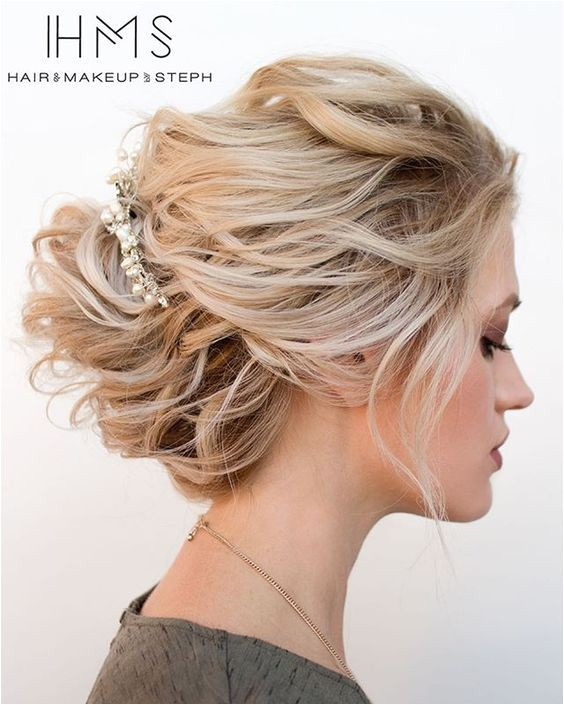 easy updos for short hair to do yourself