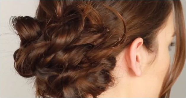 3 easy hairstyles for rainy days