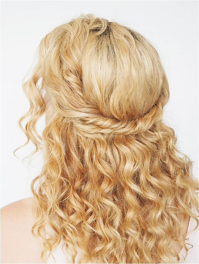 Easy Hairstyles for Really Curly Hair 9 Easy the Go Hairstyles for Naturally Curly Hair