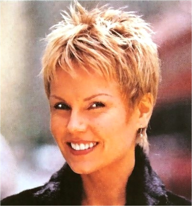 short easy hairstyles for women over 50