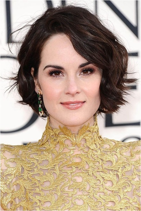 trendy short haircuts hairstyles for wavy hair