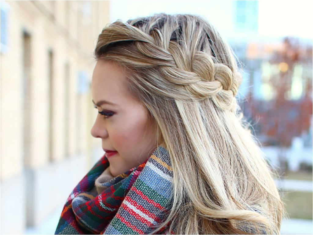 Easy Hairstyles for Vacation 5 Travel Proof Hairstyles for Long Flights