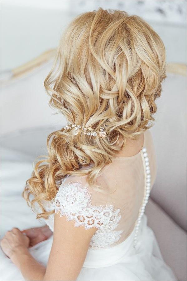 brides favorite wedding hair styles for long hair