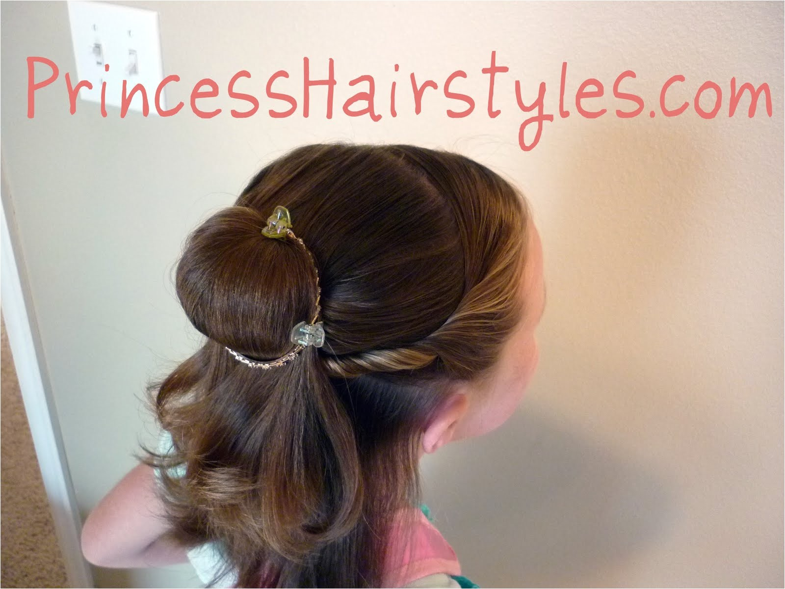 belle hairstyle for short hair