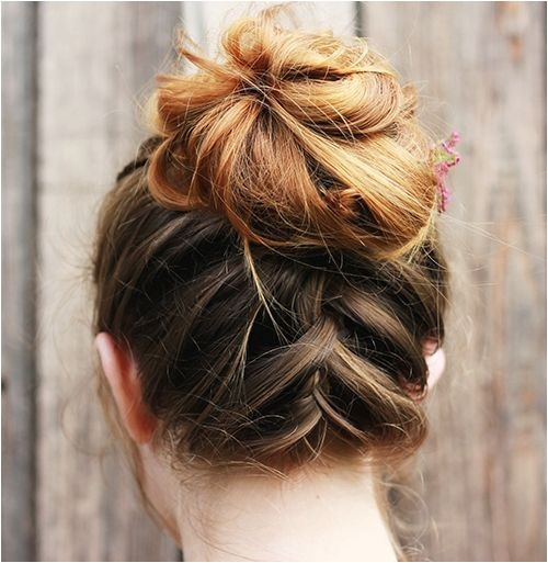 20 tren st updos for medium length hair