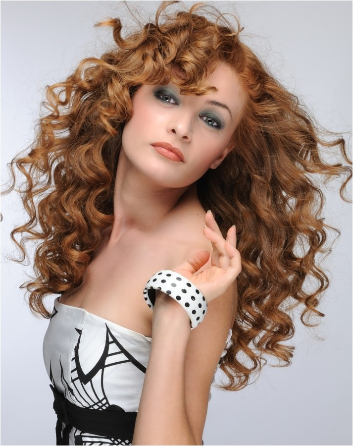 quick hairstyles for curly hair for work