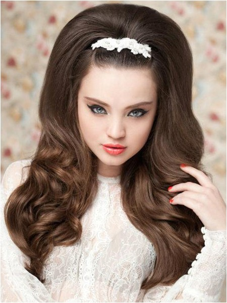 60s style long bridal hairstyle I