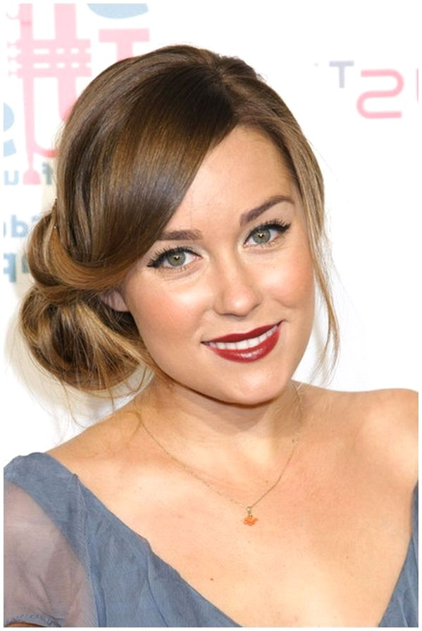 hairstyle ideas for wedding guests