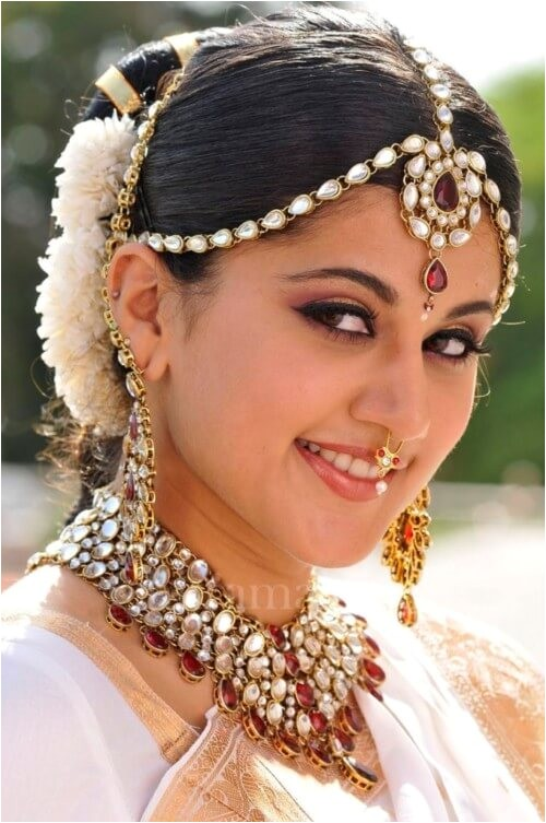 Hairstyle In Indian Wedding 30 Best Indian Bridal Hairstyles for Women with Long Hair