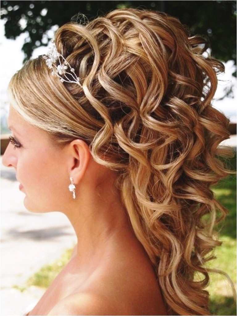 beach wedding hairstyles for shoulder length hair