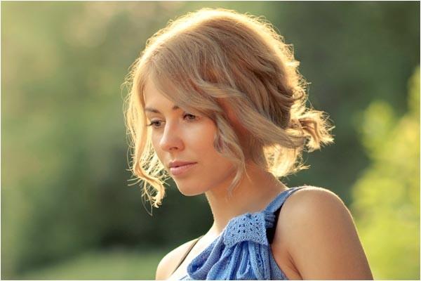 6 easy bridesmaid hairstyles