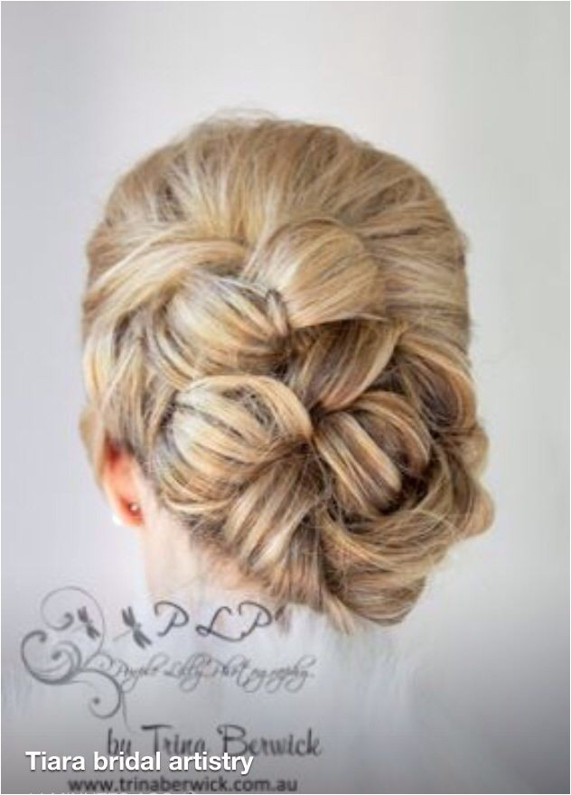 how much does a wedding hair cost