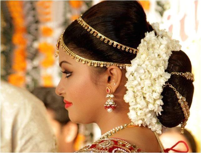 indian low bun hair styles